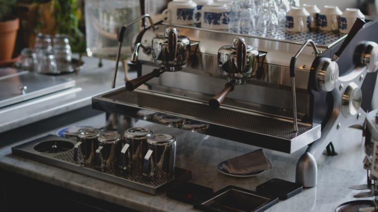 Stages métiers du bar et de la restauration Barman Académie Lyon