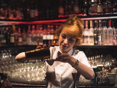 Formations pour Barman Barmaid, Barman Académie, organisme de formation Barman Barista Découverte vin, Lyon région Auvergne Rhone Alpes