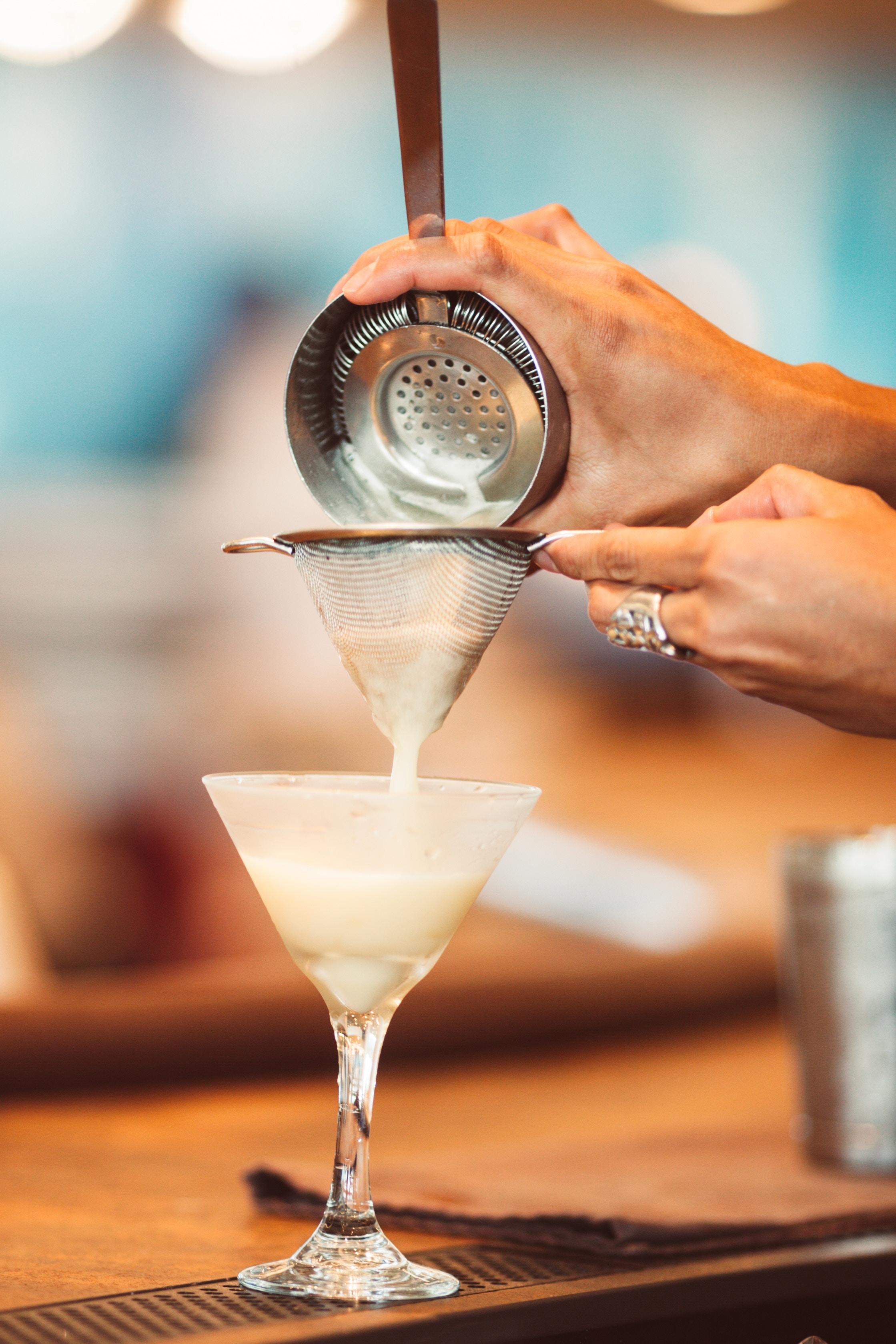 CQP Barman Monde de la nuit en région Auvergne Rhône-Alpes Barman Académie